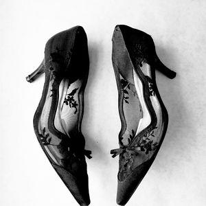 Stuart Weitzman black lace mesh heels 7.5M